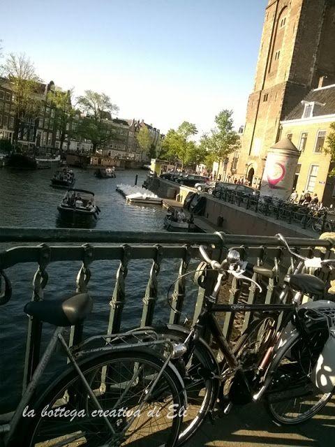 cosa-vedere-ad-amsterdam...i canali e le immancabili bici