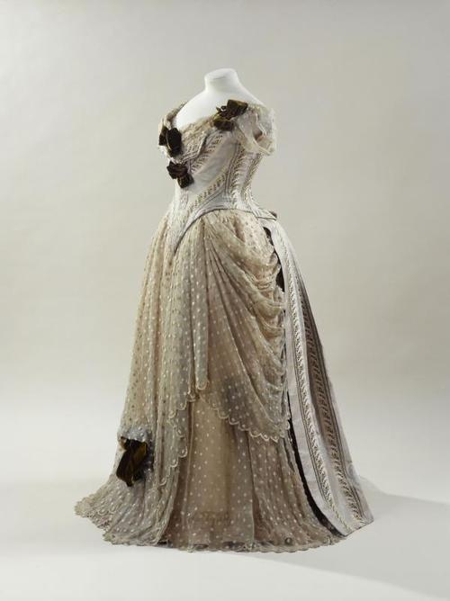 Morin-Blossier evening dress ca. 1885-88 From the Musée Galliera
