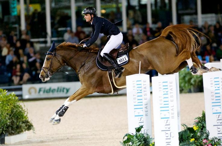 Ben Maher (clothing division) and Diva II jumped to victory in the $372,000 FEI World Cup™ Grand Prix CSI-W 5* Saturday night at the 2015 Winter Equestrian Festival. Ph. Noelle Floyd