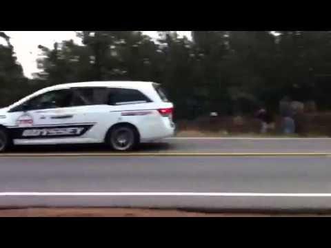 A 500+ Honda Odyssey tears up Pikes Peak.