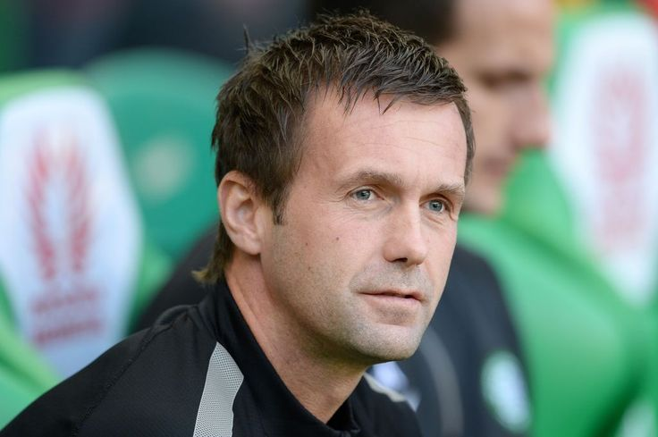 Chris Sutton: I wish our politicians answered questions as honestly as Celtic boss Ronny Deila - Chris Sutton - Daily Record