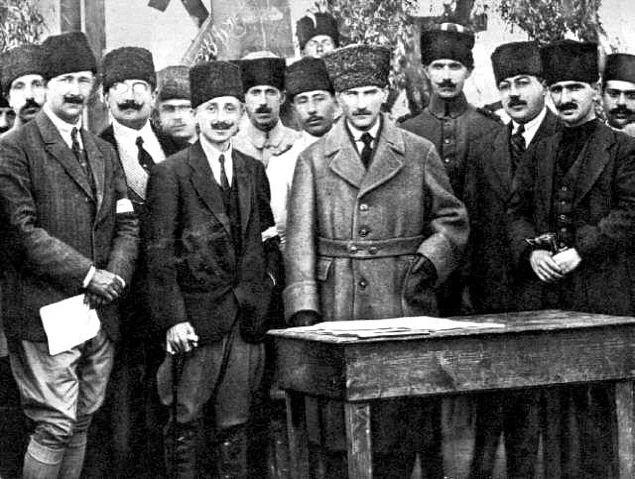 4 Temmuz 1919'da Erzurum'a gitti. 19 gün sonra 23 Temmuz'da Erzurum Kongresi'ni topladı.