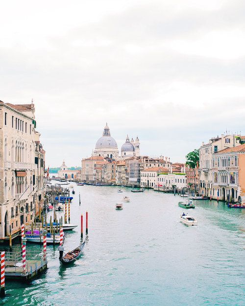 What to see, do, and eat in Venice, Italy / The perfect 3 week Italy itinerary including the Amalfi Coast, Cinque Terre, Florence, Rome & more!