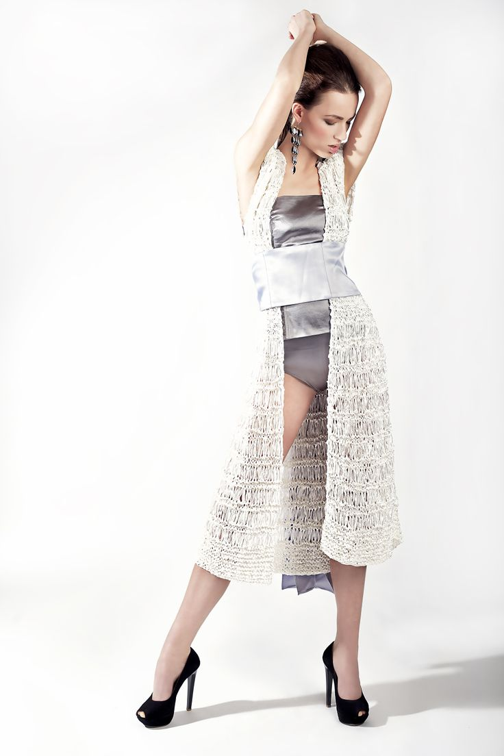 http://www.dorothea.com.gr/index.php/en/eshop-resort/121/-knitted-long-cardigan-detail