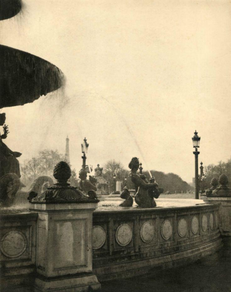 Laure Albin Guillot-Vue de la tour Eiffel depuis la Fontaine de la Concorde,Paris (1930s).