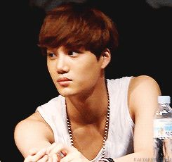 Jongin at the fan signing event