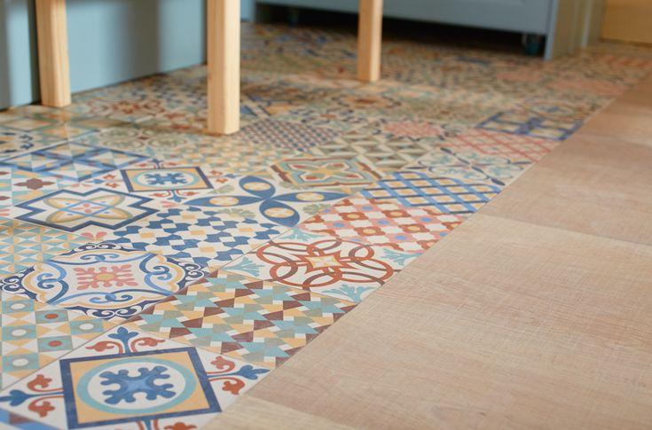 Los mosaicos combinados con un suelo de madera pueden adaptarse a distintos estilos. - Leroy Merlin