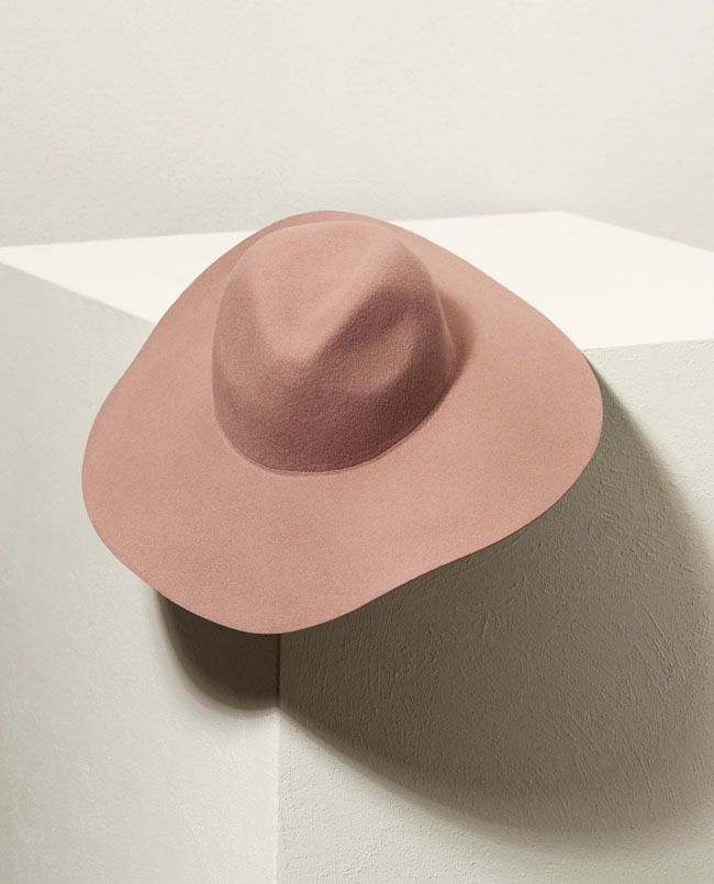 H&M's spring collection features a wide-brimmed, floppy hat