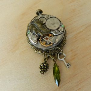 Image of Lovely Nature Inspired Steampunk Clockwork Brooch
