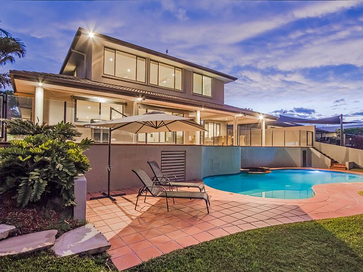 Delungra Shores holiday home is situated in Broadbeach Waters, Gold Coast. Makes it the perfect holiday home.