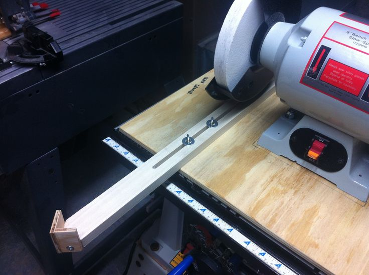 Done diy wood version of wolverine jig for sharpening for Bench tool system