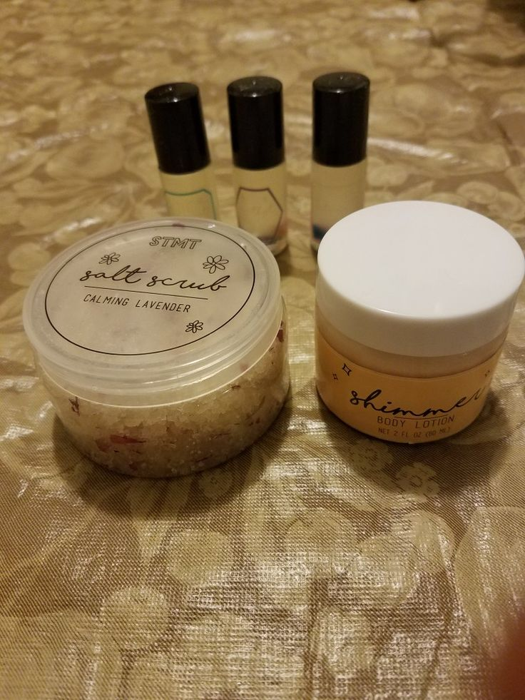 DIY Signature Spa Includes material to create salt scrub, 3 roller fragrances, and a shimmer lotion.
