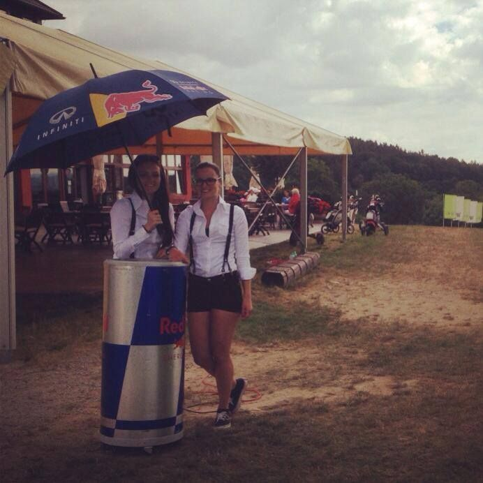 Our beautiful hostess working on Red Bull campaign. @lzgproduction #redbull #beautiful #hostess #golf #events #Pilsen #lzgproduction