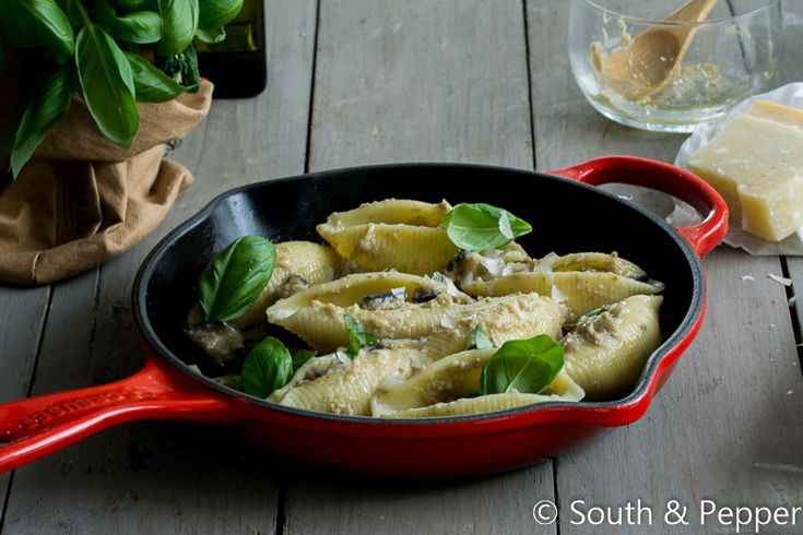 Recept: pastaschelpen met aubergine en artisjok #pasta #pastaschelpen #italiaansekeuken #artisjok #lekker #recept