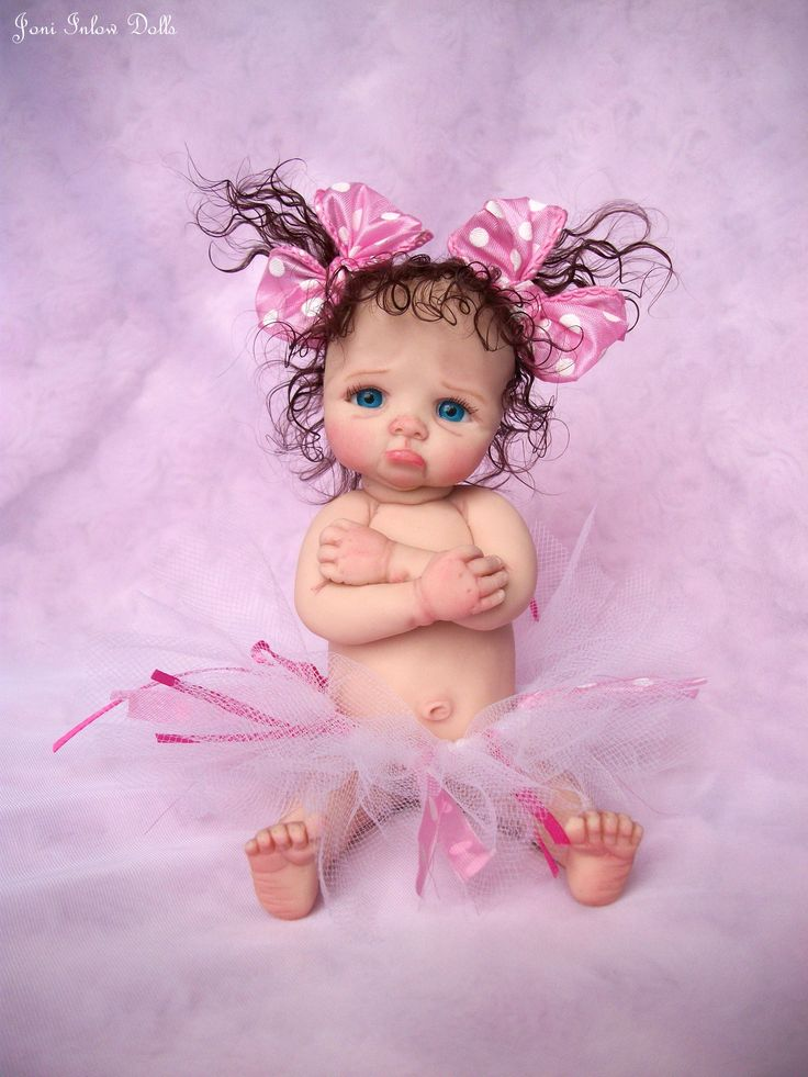 Artist: Joni Inlow.  Ebay id dolly-street or facebook page Joni Inlow Dolls