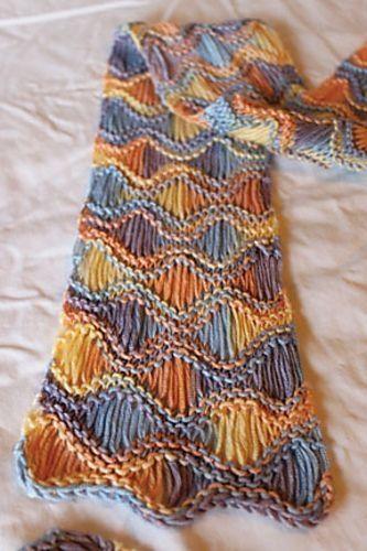 Padrão de cachecol tricô (livre) em Ravelry - boa combinação do wrap-e-dro ...