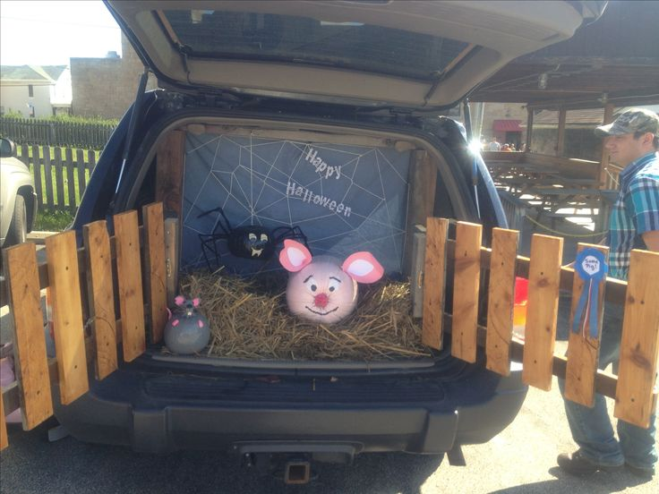 charlottes web trunk or treat