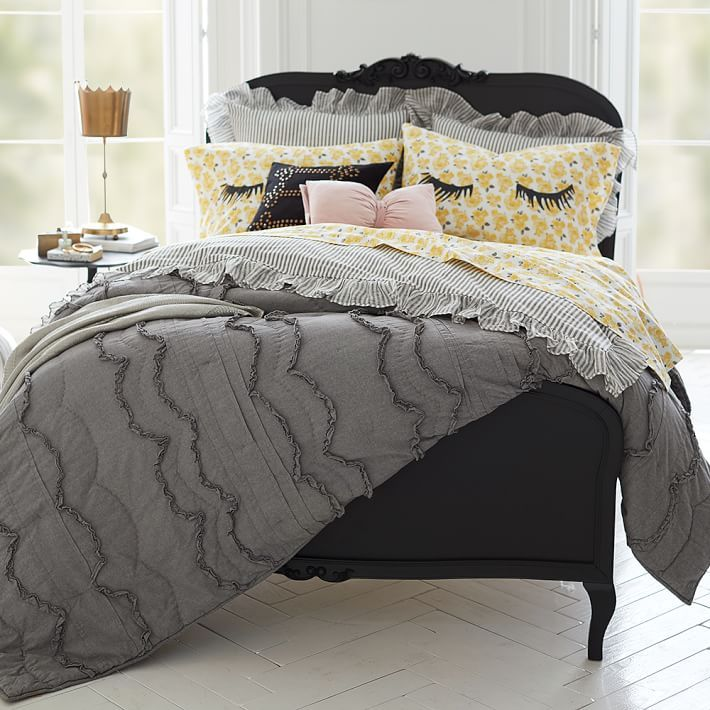 PB teen bedding http://www.pbteen.com/shop/girls-bedding/emily-meritt-girls/?