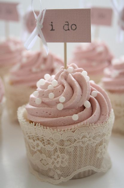Wedding cupcakes...love this!