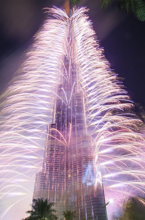 Burj Khalifa - New Year 2013 -- with fireworks by PhiloGraphic on deviantART