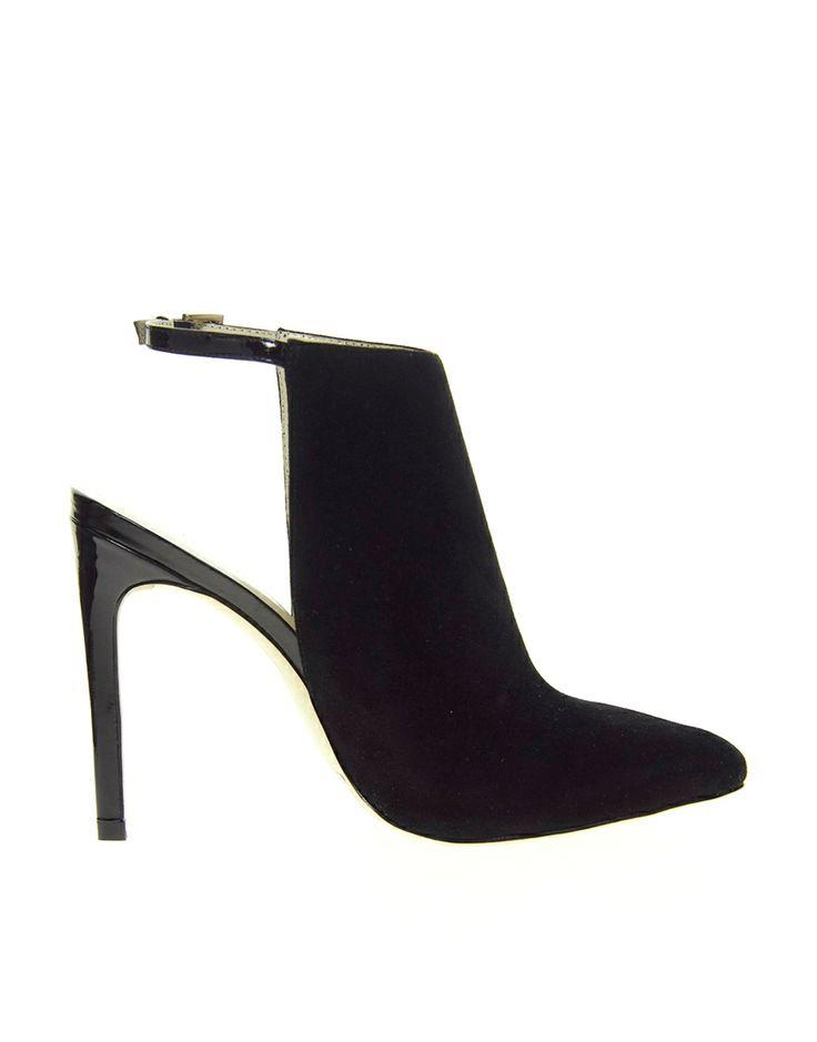:Karen Millen Suede Closed Sandals