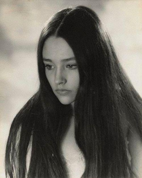 Olivia Hussey by Madame Yevonde.                                                                                                                                                                                 Más