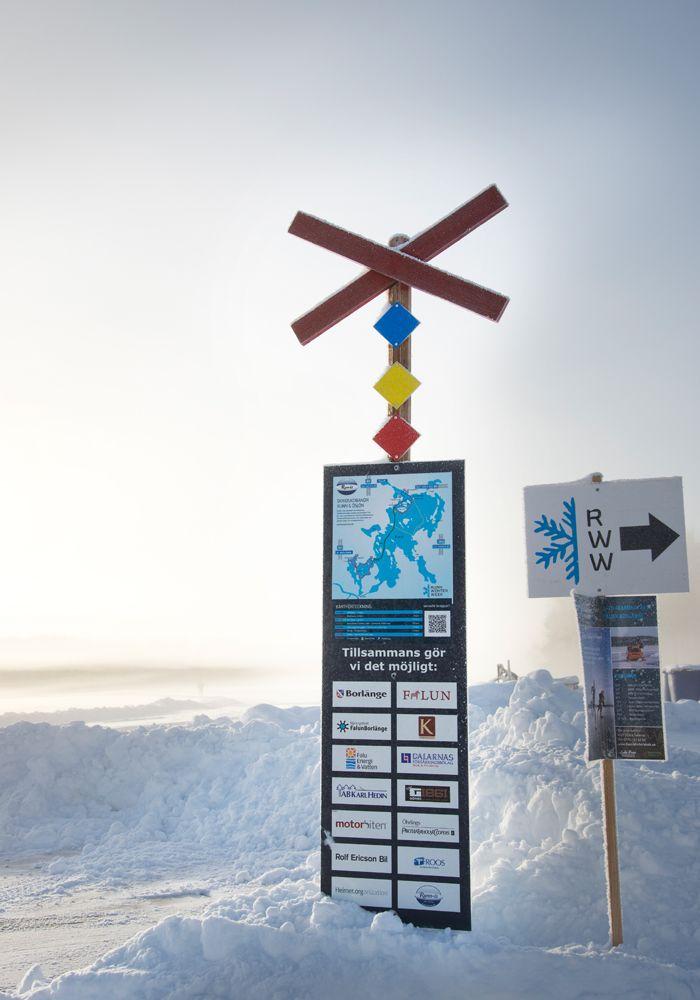 Prova långfärdsskridskor på sjön Runn