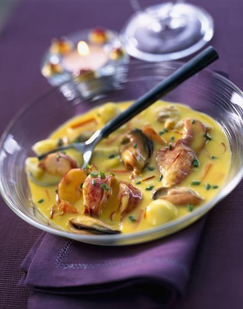 Cassolette de homard palourdes et moules au safran - Cuisine - Plurielles.fr