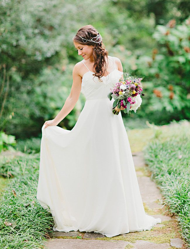 Love this venue :) Gorgeous weddign all around!!  Georgia Woodland Wedding: Sara + Jim