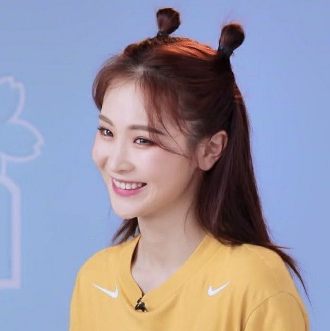ge xinyi pics on Twitter in 2020 | Long hair styles, Hair