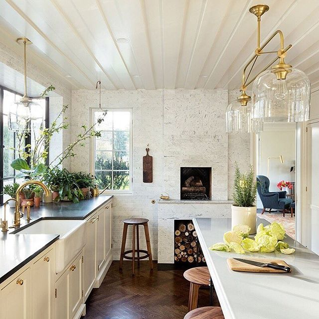Everything old is new again after this gut renovation transformed a characterless 1920s house in Portland into a gracious home with classic details. We visit the @jhinteriordesign–devised home on archdigest.com. Photo by @jeremybittermann
