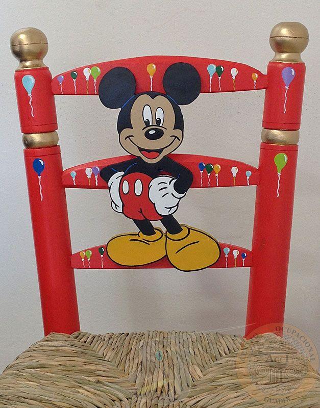 Detalle silla costurera infantil pintada en rojo y dorado - Muebles de mickey mouse ...