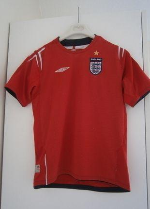Buy here at #vinteduk http://www.vinted.co.uk/mini-vinties/sportswear/5936586-england-football-top