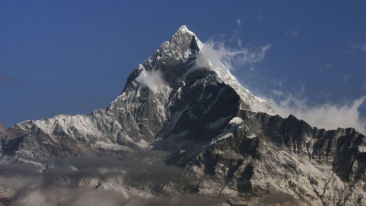 """Annapurna: Todesberg und erster erfolgreich bestiegener Achttausender-Angesichts der Rekordsucht am Mount Everests ist die Todesrate von """"nur"""" 5,7 Prozent nichts im Vergleich zum berüchtigten Todesberg Annapurna. Die bislang erst 153 Gipfelbesteigungen forderten 58 Todesopfer – somit liegt hier die Todesrate am höchsten, bei rund 40 Prozent (Stand 2008). Mit einer Höhe von 8.091 Metern ist die Annapurna der zehnthöchste Berg im Himalaya. Maurice Herzog und Louis Lachenal bestiegen sie im…"""