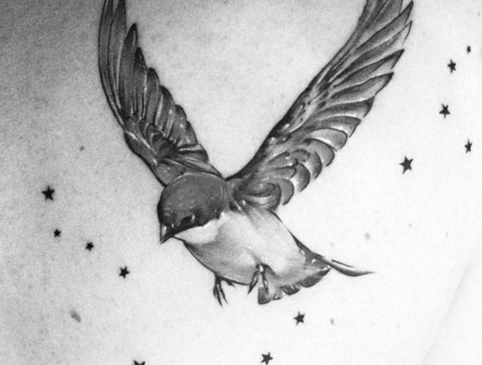 les 25 meilleures id es de la cat gorie tatouages de petit oiseau sur pinterest tatouages d. Black Bedroom Furniture Sets. Home Design Ideas