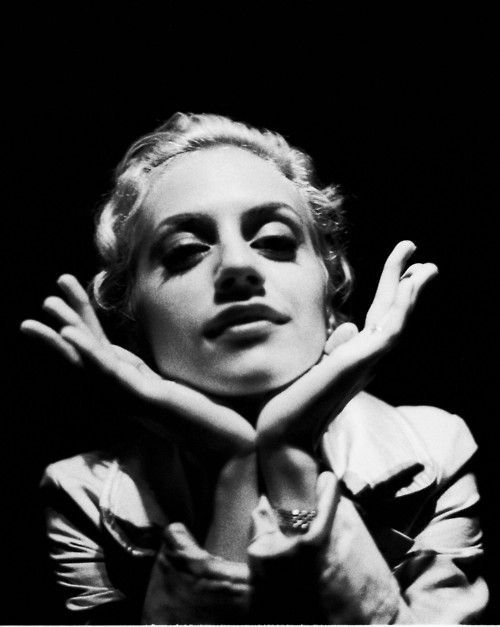 Brittany Murphy - born 1977 died 2009 (pneumonia)