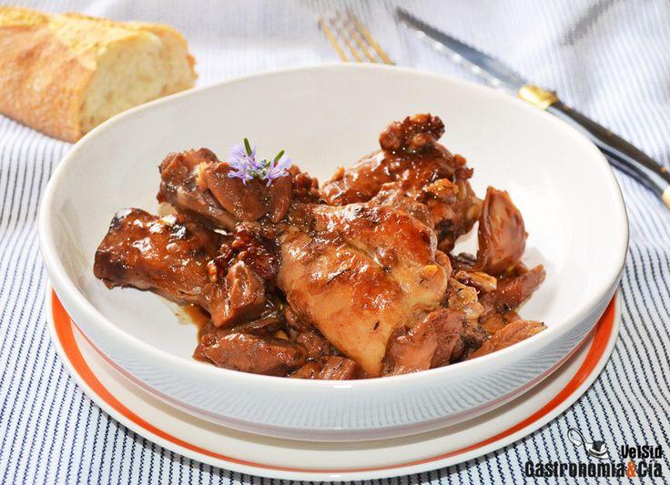 Muslos de pollo con boletus y nueces | Gastronomía & Cía