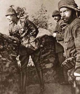 1881-1915 yılları arası Atatürk albümü. Albay Mustafa Kemal / Gelibolu, Çanakkale, 17 Haziran 1915.