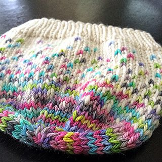 Simple but cool beanie pattern Baby, child & adult sizes shown at bottom of page on Raverly with all info>bf you download