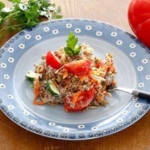 Салат из творога с гречкой в мультиварке.
