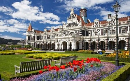 Modern Dunedin is known for being an art, culture and fashion hub that offers year round events and festivals. It is a showcase for unique homegrown produce and is set in the beautiful Otago Peninsula, which is an ecotourism hotspot.  http://www.wheretostaynewzealand.co.nz/dunedin-new-zealand/