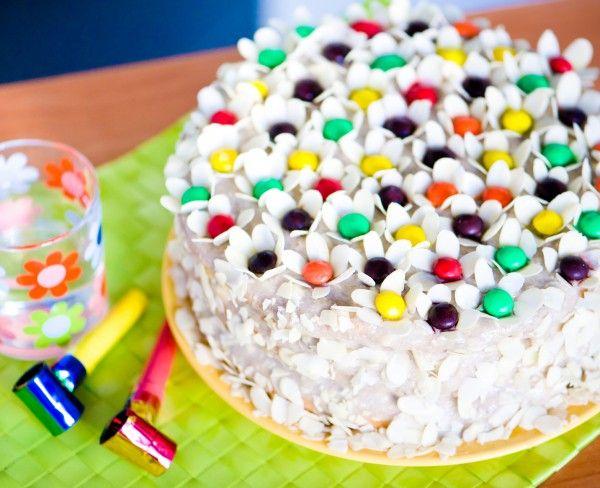 Цветочный торт с ягодами и творогом ►►► ссылка на рецепт - https://recase.org/tsvetochnyj-tort-s-yagodami-i-tvorogom/
