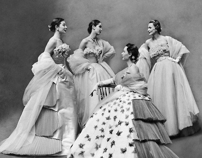 Вечерние платья от Jacques Fath, 1951 г. Фото: Гордон Паркс