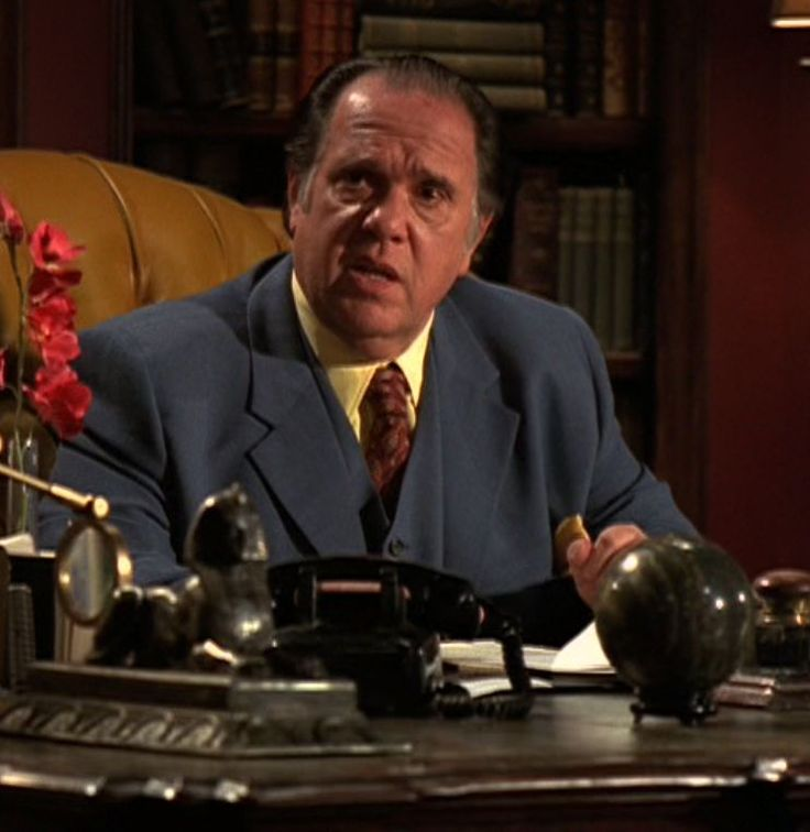 Nero Wolfe, as portrayed by character actor Maury Chaykin. This is Culinary Cozy, taken to the extreme! https://en.wikipedia.org/wiki/Nero_Wolfe