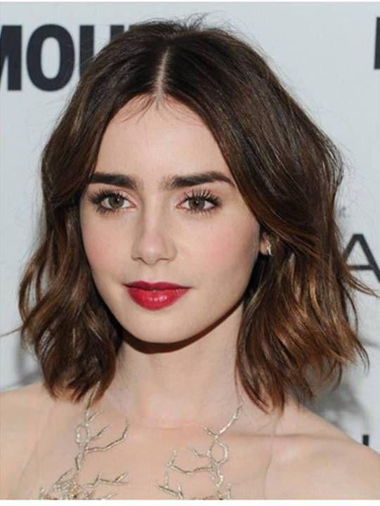 media melena ondulada me encanta este peinado claro que a lilly collins cualquier