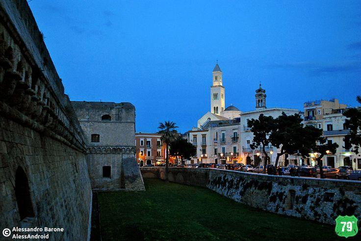 Castello Svevo e Campanile dell Cattedrale di San Sabino #Bari #Puglia #Italia #Italy #Viaggiare #Viaggio #OldCity #Travel #AlwaysOnTheRoad