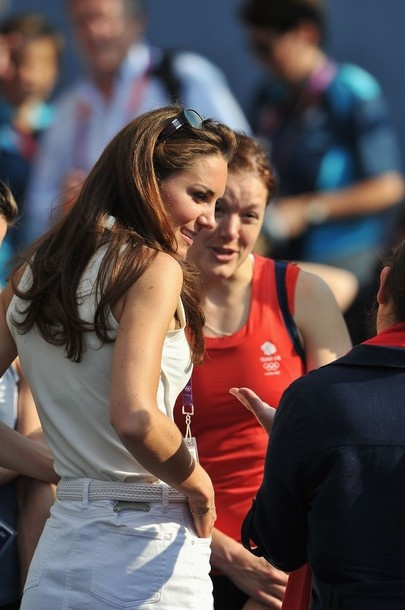 LONDON, ENGLAND - AUGUST 10:  Catherine, Duchess of Cambridge (C) talks to Team GB after their Women's Hockey bronze medal match against New Zealand on Day 14 of the London 2012 Olympic Games at Riverbank Arena Hockey Centre on August 10, 2012 in London, England.