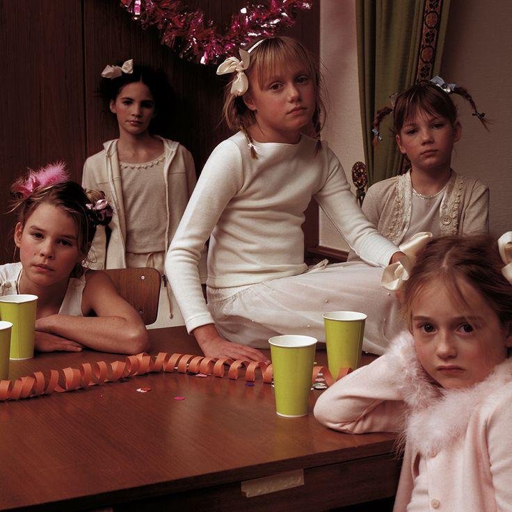 Kid's Wear - Advent Calendar 2014 Door 10 photo by Achim Lippoth  girls...girls...girls...
