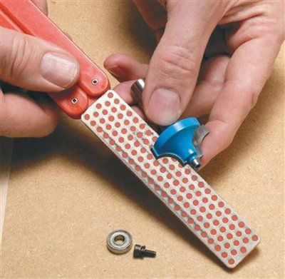 How to Sharpen a Router Bit