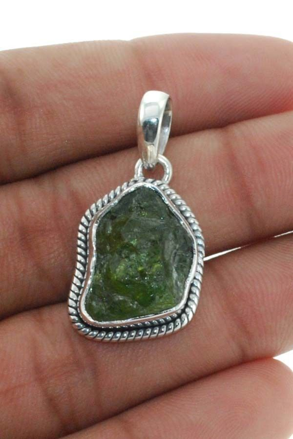 Natural Peridot Rough 925 Solid Sterling silver Pendant Jewelry (PP-009) #Rananjay #HandmadePendant